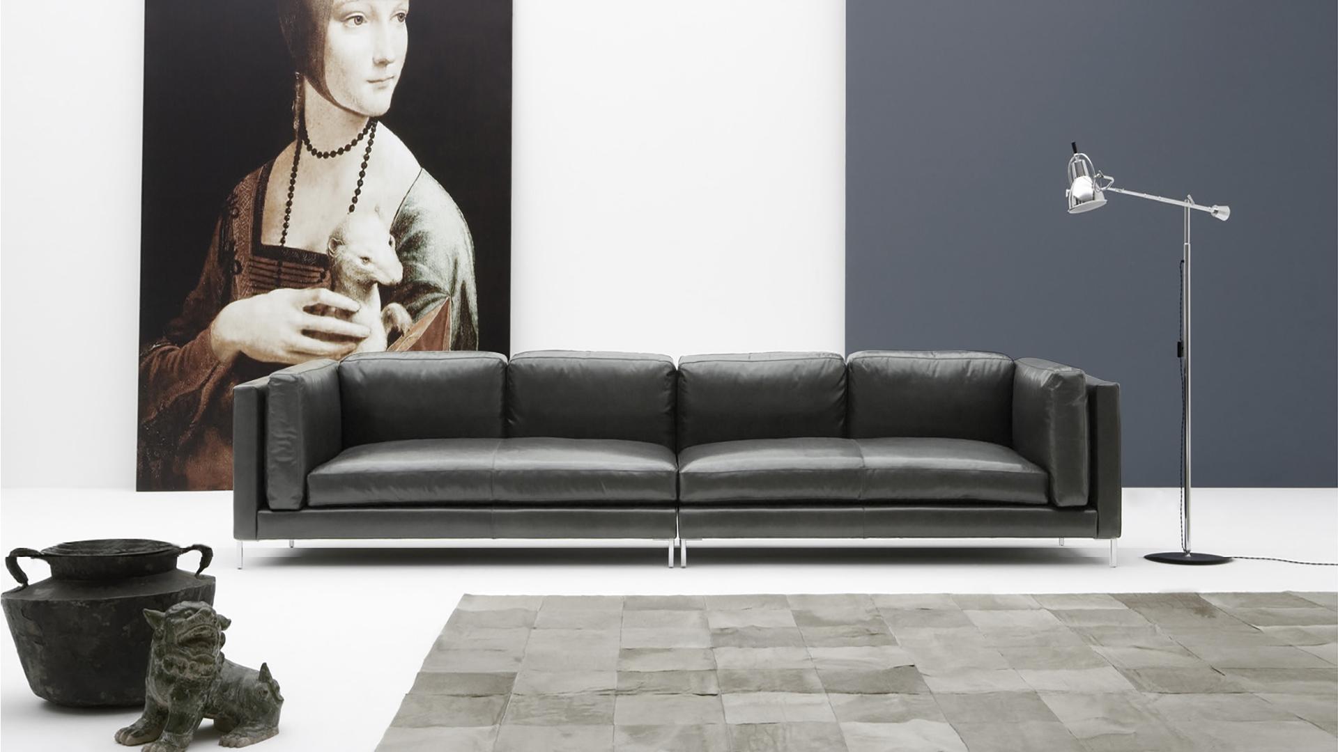 divano-lineare-moderno-pelle-marc-murtarelli