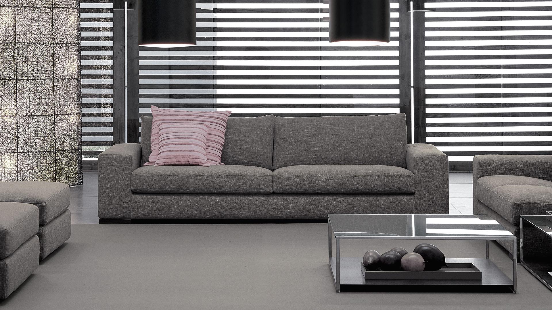 divano-lineare-bracciolo-largo-logan-murtarelli copia